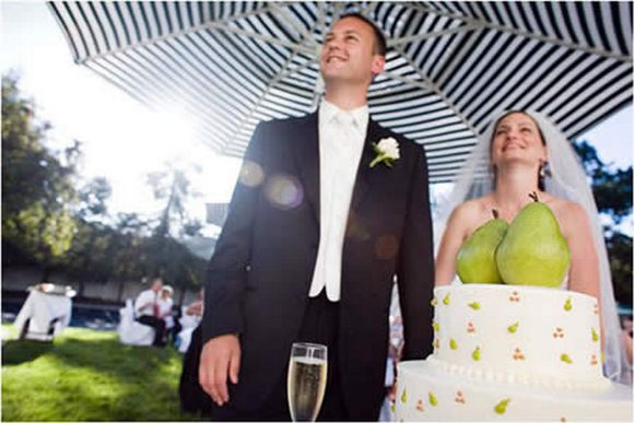 Funny Wedding Photos, Bad Wedding Photos, wedding photography, wedding dresses, wedding receptions, wedding chapels, honeymoon destinations, wedding cakes, wedding toppers,