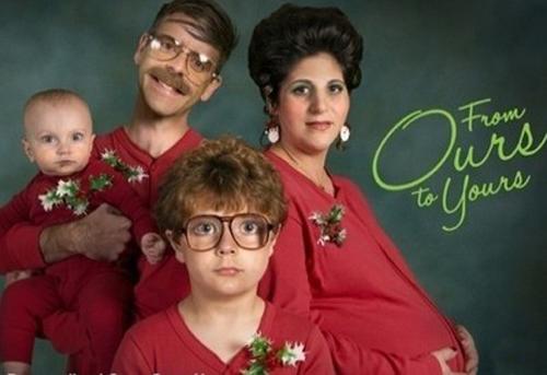 Bad Family Christmas Photos: 24 Ho Ho Horrible!s - Team Jimmy Joe