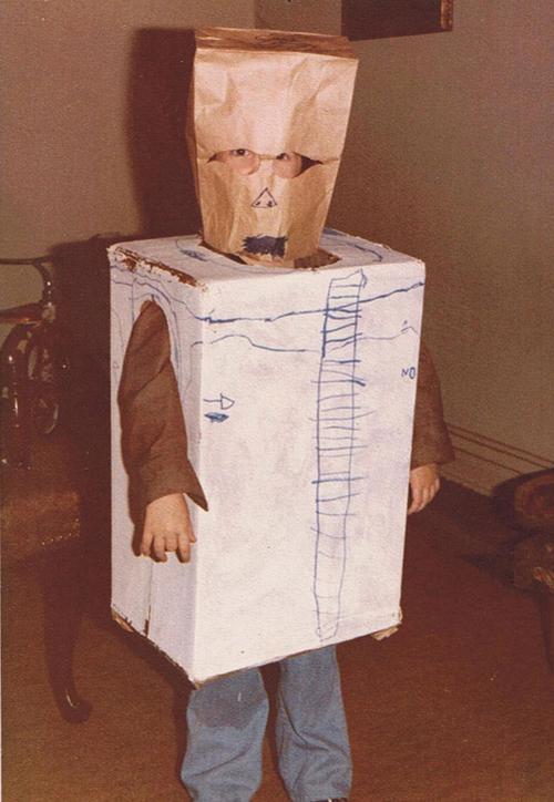 cardboard box costume ~Worst Halloween Costumes: 23 Bad, Stupid & Tasteless