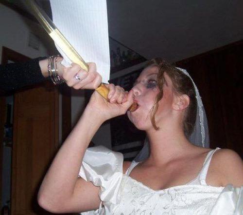 Bride doing beer bong Funny Wedding Pictures Bad Wedding photos worst wedding pic ugly wedding dresses drunk bride groomsmen bridesmaid dresses wedding receptions wedding djs