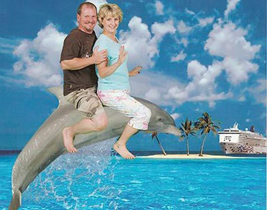 Awkward Funny Family Vacation Photos riding dolphin - Free funny vacation photos